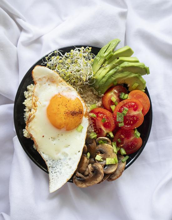 Przepis na fit śniadanie - breakfast bowl, dietetyk online